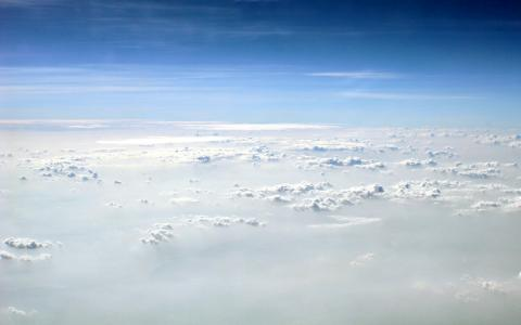روی ابرها